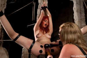 Iana swinger parties in Eau Claire, WI